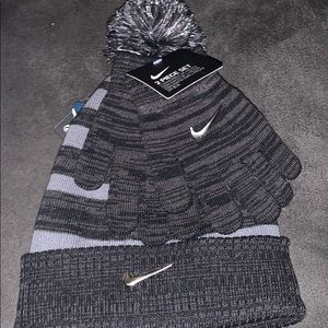 Nike 2 piece winter hat and gloves